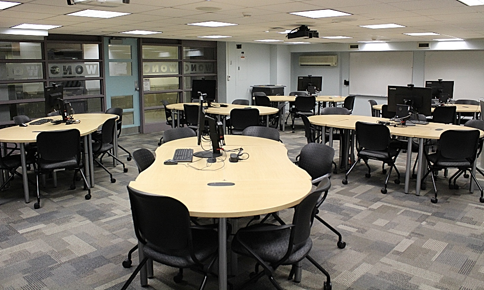 McMaster University Library is now providing undergraduate students with in-person access to bookable state-of-the-art computers equipped with a range of media creation software including Adobe Creative Cloud. Work stations are located on the first floor